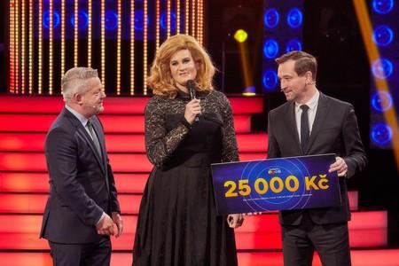 Albert Černý je vítězem devátého kola show Tvoje tvář má známý hlas Šampioni. Komu již podruhé zašlu svoji výhru?