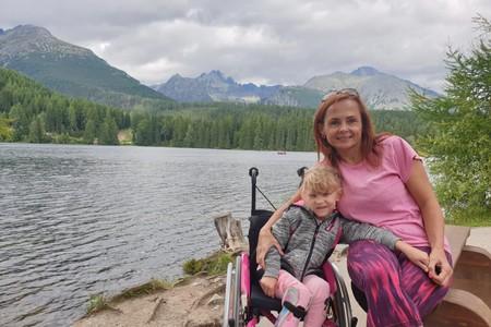 Nadace Nova pomůže malé Leonce společně s Běhej lesy vyrazí do Jizerských hor