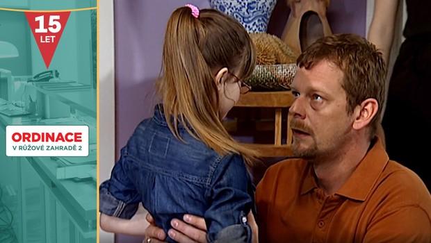 Vzpomínáte si na dceru Oty Kováře? Při natáčení ji musel herec občas dost krotit!