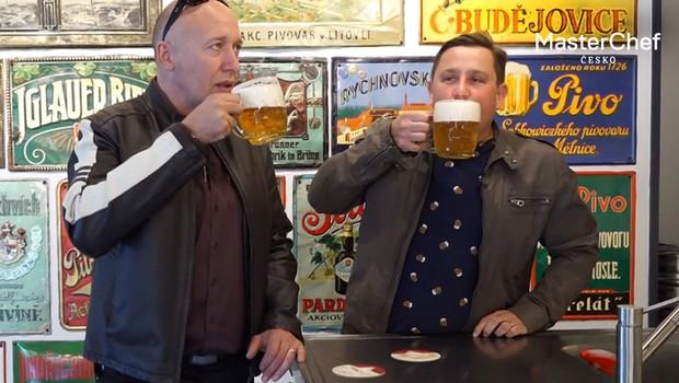 Punčochář a Jašków na pivu: Poslechněte si jejich peprné historky z mládí!