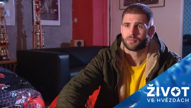 MMA zápasník Jiří Procházka děsí v ringu soupeře: Jaký je v soukromí?