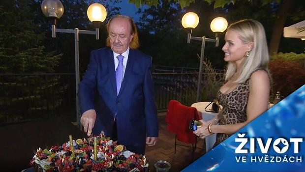 Muzikálový producent Janeček slavil narozeniny! Kdo na nich nechyběl?