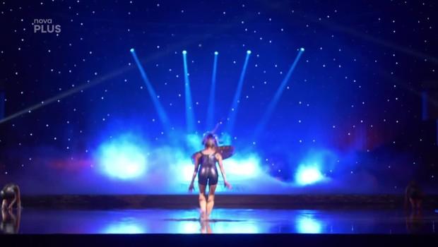 Víkend - Cirque La Perle