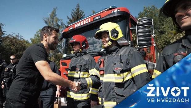 Krásné gesto! Marek Ztracený rozdává tisíce vstupenek lidem ze záchranných složek