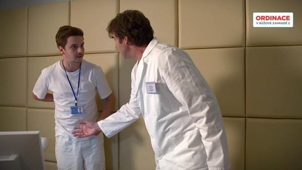 Jakub odhalí podvod na otce! Nechá si to Martin líbit?