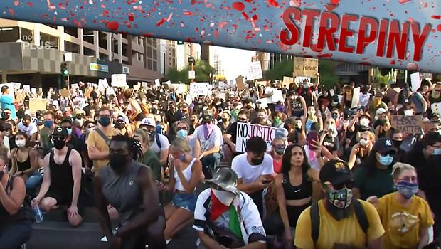 Amerikou otřásá vlna nepokojů. Demonstranti odsuzují přetrvávající rasismus