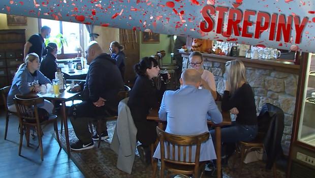 Česko se ve čtvrtek přesune do 3. stupně rizika. Jak budou fungovat restaurace?