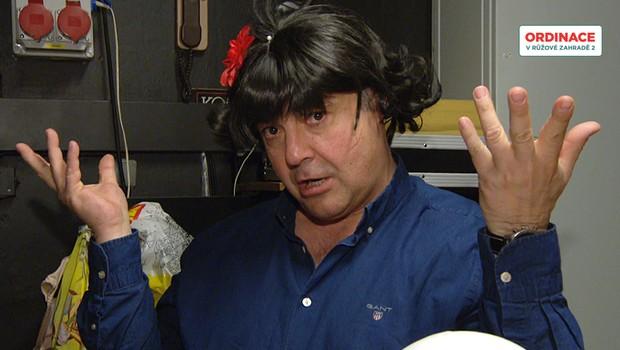 Poznáváte ho? Bobo z Ordinace se proměnil v transvestitu!