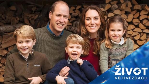 Britská královská rodina se pochlubila tradiční vánoční pohlednicí!