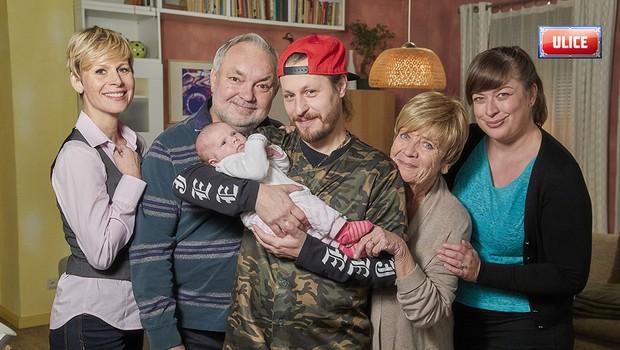 Jaro u Nyklových: Lumír v obležení žen, Mário otcem a Vendulino splněné přání