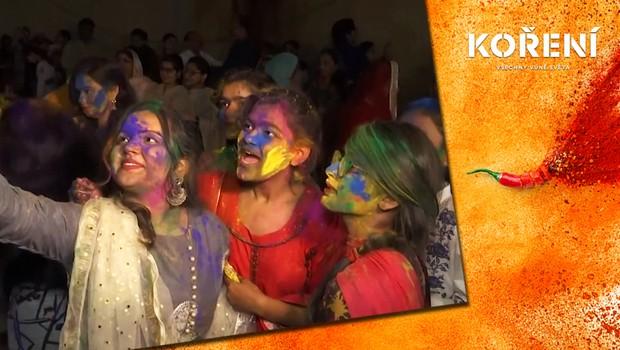 Svátek barev: Hinduisté bujaře vítají jaro všemi odstíny duhy