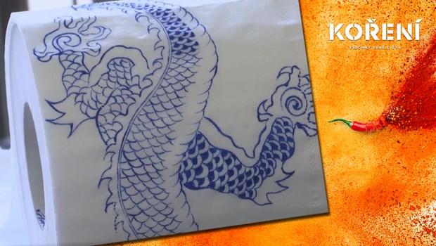 Připomínka pandemie: Čínská umělkyně maluje tradiční vzory na toaletní papír!