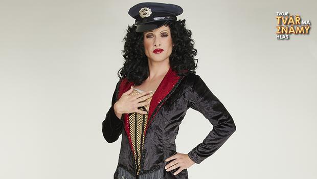 Marek Lambora jako Cher - Welcome To Burlesque
