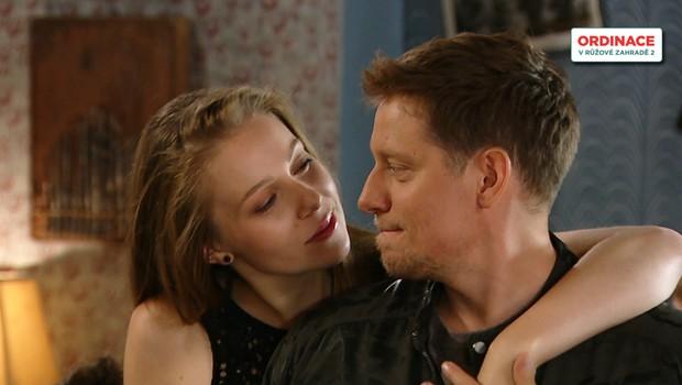 Jak to má Marek s Klárou? Nebere ji tak vážně jako ona jeho!