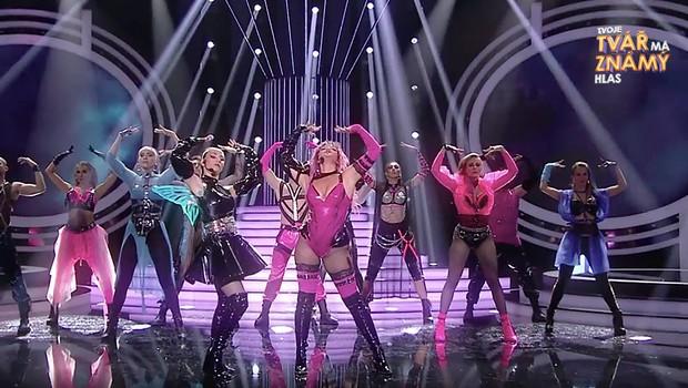 Erika Stárková a Eva Burešová jako Lady Gaga a Ariana Grande - Rain on Me