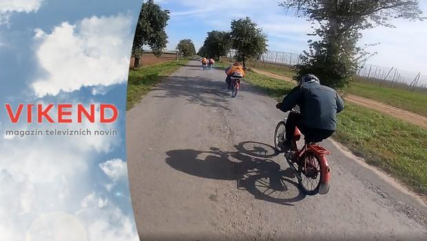 Rallye Kozel Bouzov: Podívejte se na neoficiální mistrovství světa mopedů!