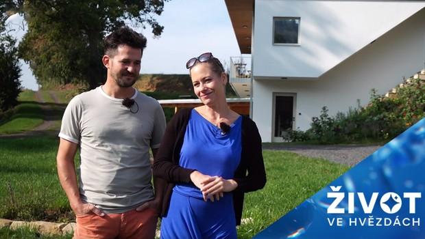Herecký pár si plní svůj sen: Jak probíhala náročná renovace ruin starého mlýna?