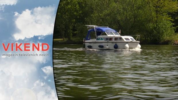 Jak strávit dovolenou v tuzemsku? Vyrazte na lodi objevovat krásy českých řek