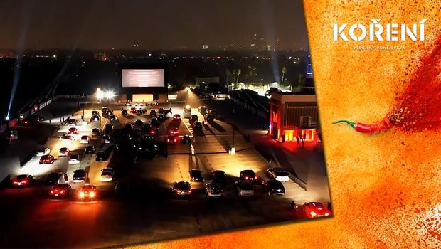 Netradiční hollywoodská premiéra: Místo červených koberců autokino na střeše!