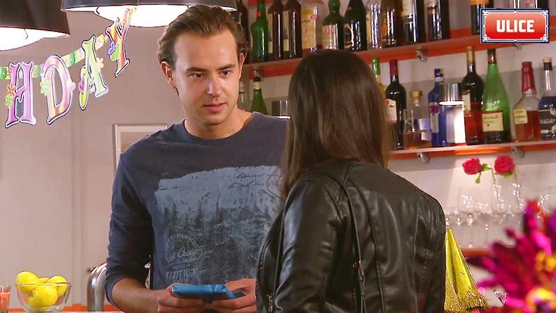 Bruno balí Janu. Jak jí dá najevo svůj zájem a co ona na to?