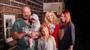 MÍSTO SVATBY POHŘEB: Matka tří dětí z Mise nový domov zemřela svému milovanému v náručí