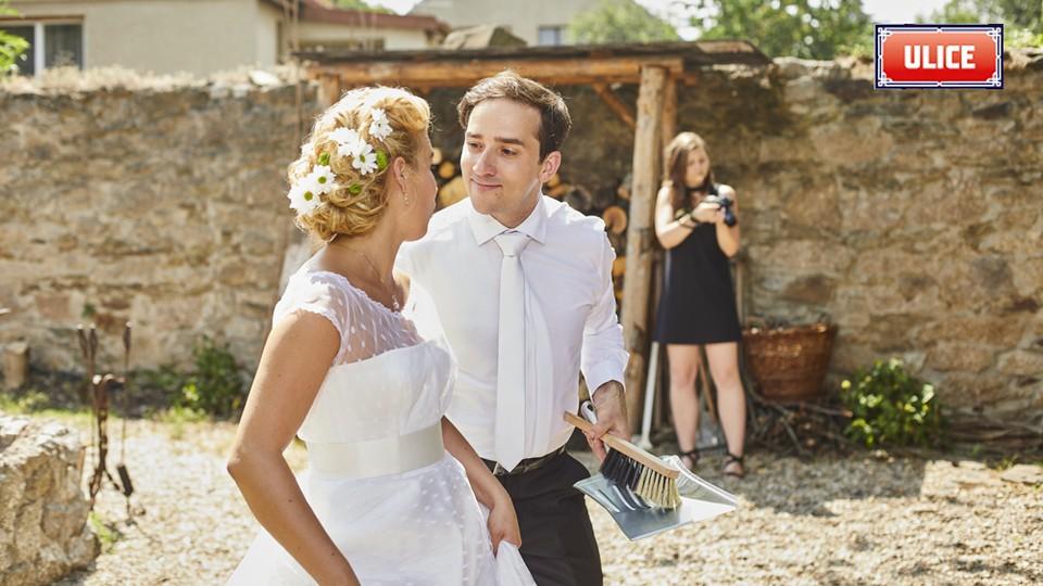 Seriál Ulice: Ze zákulisí natáčení svatby Terezy a Davida - 21