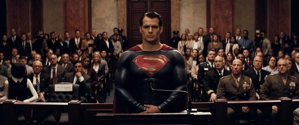 Batman vs Superman: Úsvit spravedlnosti - 24