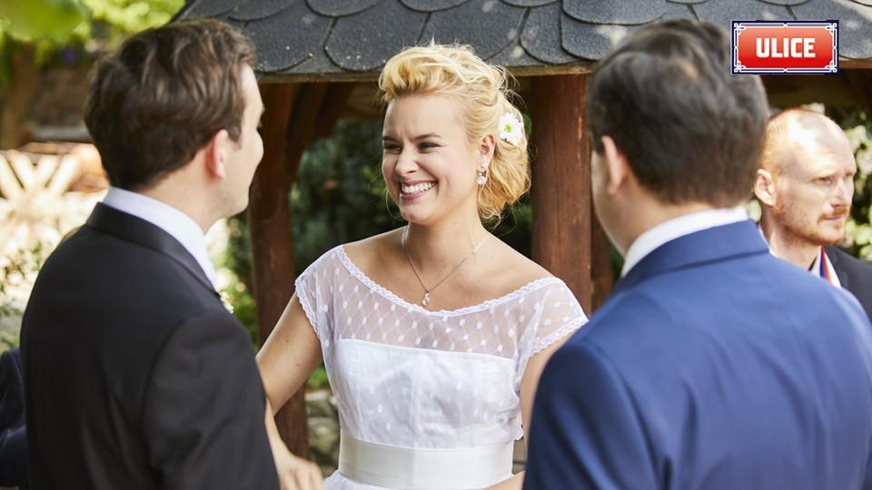 Seriál Ulice: Ze zákulisí natáčení svatby Terezy a Davida - 16