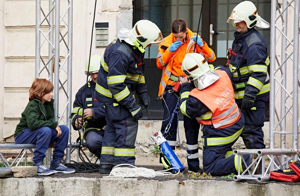 Ordinace: Bibi v nebezpečí při záchranné akci - 13