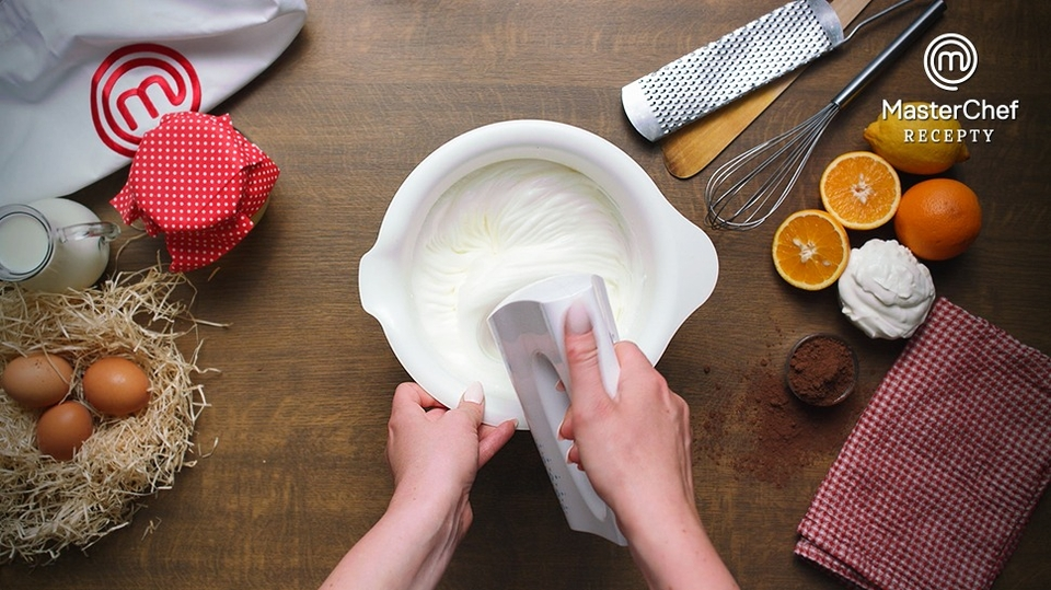 MasterChef recepty: Čokoládové bábovičky s pomerančem a marakujou podle Kristíny Nemčkové - 2