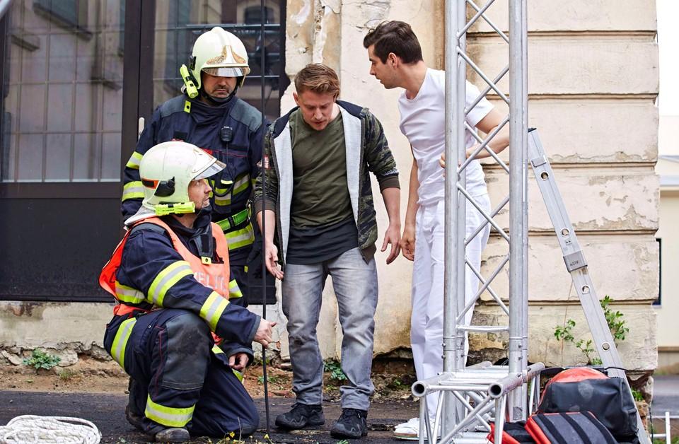 Ordinace: Bibi v nebezpečí při záchranné akci - 24