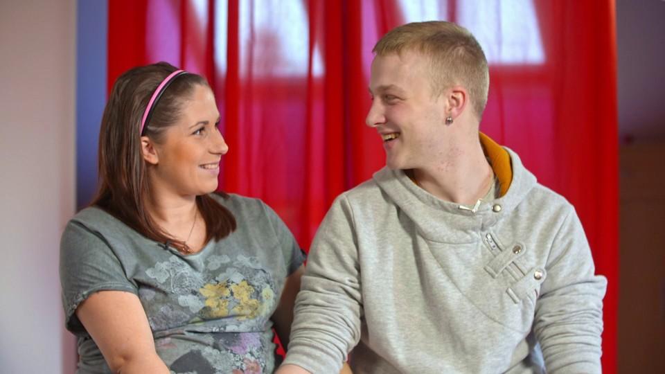 Mladému páru z Malých lásek komplikuje život rodina! - 3