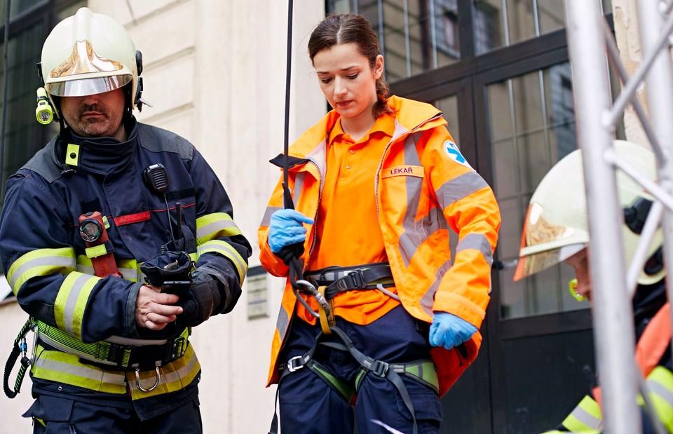 Ordinace: Bibi v nebezpečí při záchranné akci - 12
