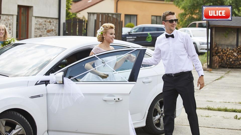 Seriál Ulice: Ze zákulisí natáčení svatby Terezy a Davida - 14