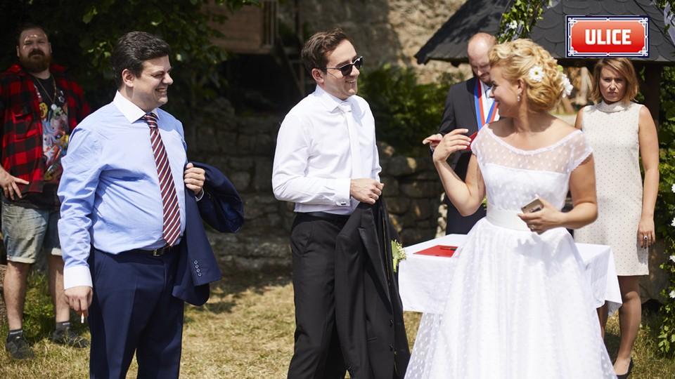 Seriál Ulice: Ze zákulisí natáčení svatby Terezy a Davida - 9