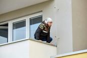 Ordinace: Při skoku z balkonu nahradil Peroutku kaskadér - 22
