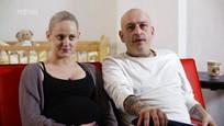 Malé lásky - Drsný rapper v roli otce a hádka před porodem - 7