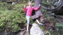 Nesnáším, když jdu po lese a zaklíním se pod kořenem - 12