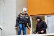 Ordinace: Při skoku z balkonu nahradil Peroutku kaskadér - 9