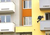 Ordinace: Při skoku z balkonu nahradil Peroutku kaskadér - 21